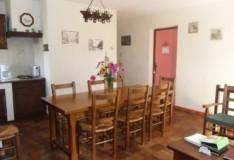 La salle et coin cuisine